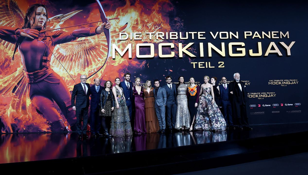 Premiere-Mockingjay-Cast-15-11-04-dpa - Bildquelle: dpa