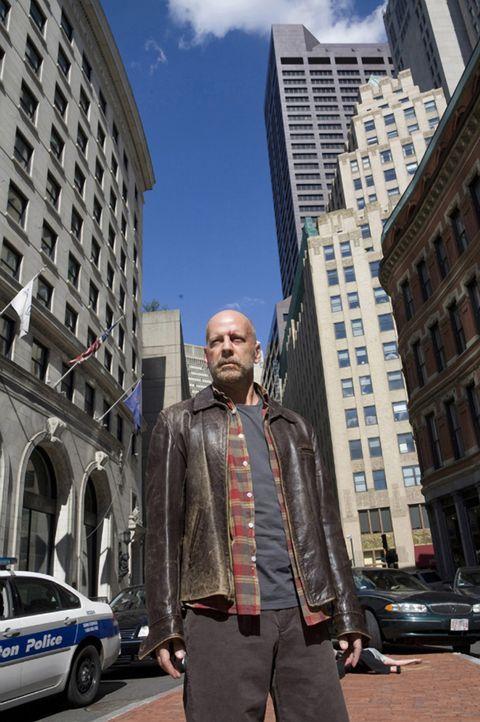 Nach vielen Jahren muss FBI-Agent Tom Greer (Bruce Willis) sein Haus verlassen und wieder auf seine menschlichen Fähigkeiten zurückgreifen, als se... - Bildquelle: Stephen Vaughan Touchstone Pictures.  All Rights Reserved