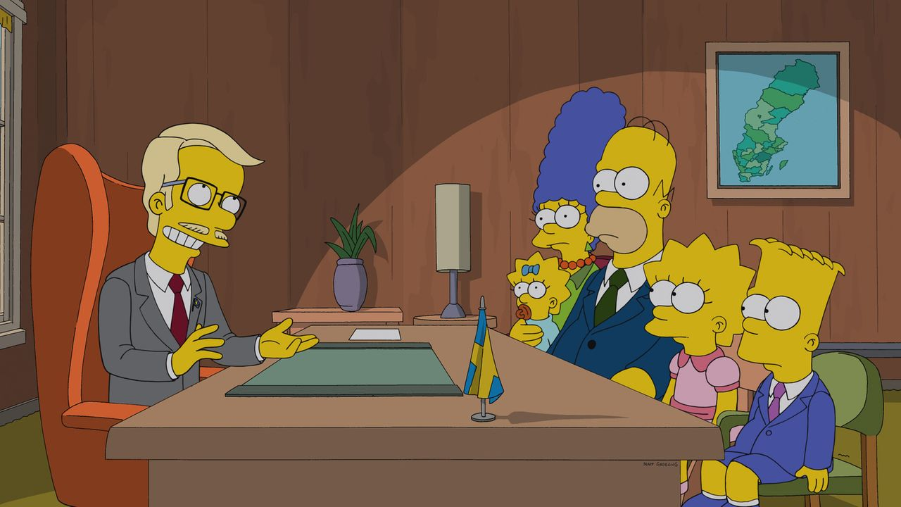 Im schwedischen Konsulat fühlt sich die Familie Simpson sicher. Der Konsul (l.) versichert Homer (3.v.r.), Marge (3.v.l.) und ihren Kindern Bart (r.... - Bildquelle: 2013 Twentieth Century Fox Film Corporation. All rights reserved.