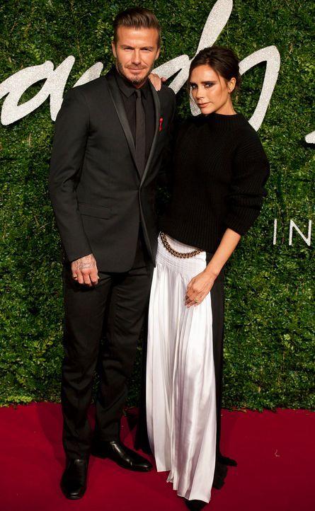 David-Beckham-Victoria-Beckham-14-12-01-dpa - Bildquelle: dpa