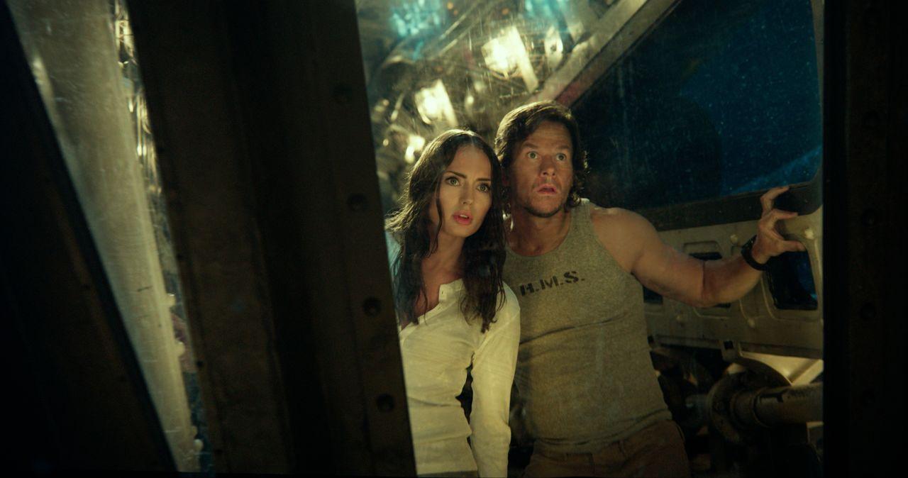 Viviane Wembly (Laura Haddock, l.); Cade Yeager (Mark Wahlberg, r.) - Bildquelle: 2017 Par. Pics. TM Hasbro