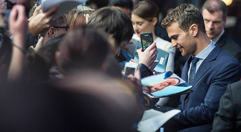 Divergent-Theo-James-14-04-01-2-dpa - Bildquelle: dpa