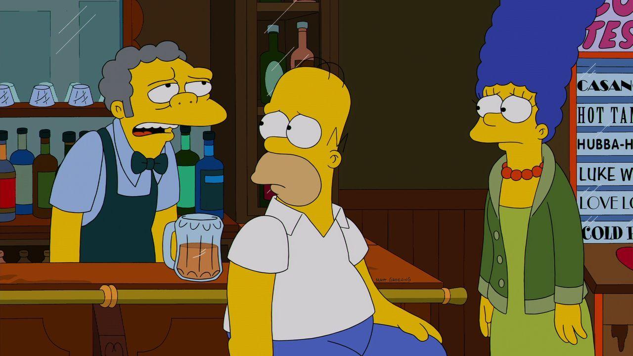 Moe (l.) ist mal wieder frustriert und versucht, Selbstmord zu begehen. Im letzten Moment kann Homer (M.) ihn retten. Daraufhin beschließt Marge (r.... - Bildquelle: und TM Twentieth Century Fox Film Corporation - Alle Rechte vorbehalten