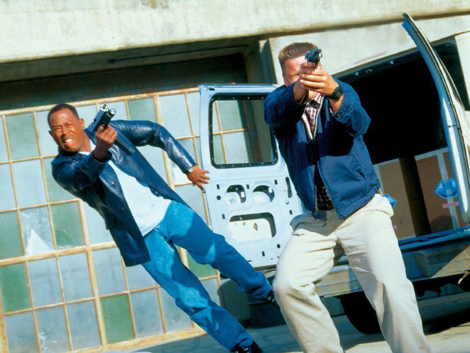 Auf der Jagd nach dem mörderischen Schmugglerring, in dem sich etliche korrupte Cops tummeln, müssen sich Earl (Martin Lawrence, l.) und Hank (Ste... - Bildquelle: CPT Holdings, Inc.  All Rights Reserved.