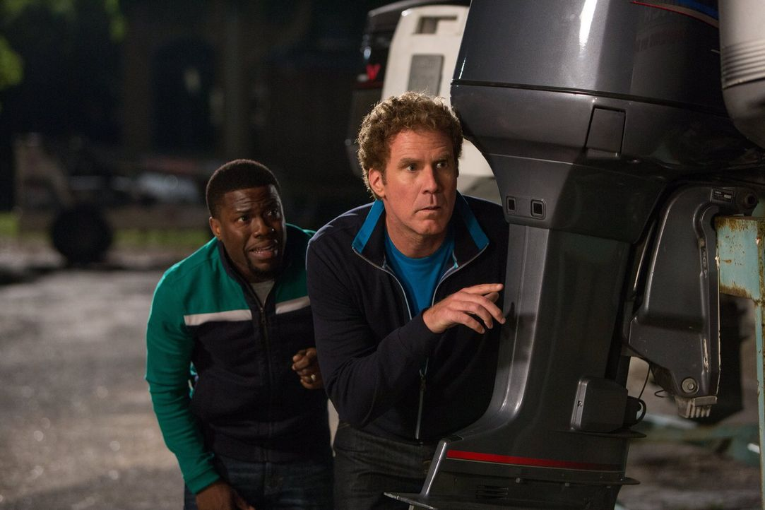 Müssen lernen, jede Menge Ressentiments und Antipathien zu überwinden: Die Vorbereitung auf den Gefängnisalltag schweißt Darnell (Kevin Hart, l.) un... - Bildquelle: 2015 Warner Bros. Entertainment Inc. and Ratpac-Dune Entertainment LLC. All rights reserved.