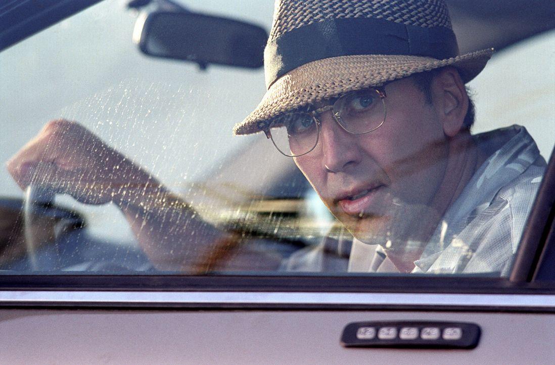 Nepper, Schlepper, Bauernfänger: Obwohl Roy (Nicolas Cage) von einigen Psychosen geplagt wird, ist er ein ziemlich erfolgreicher Gauner ... - Bildquelle: Warner Bros. Pictures
