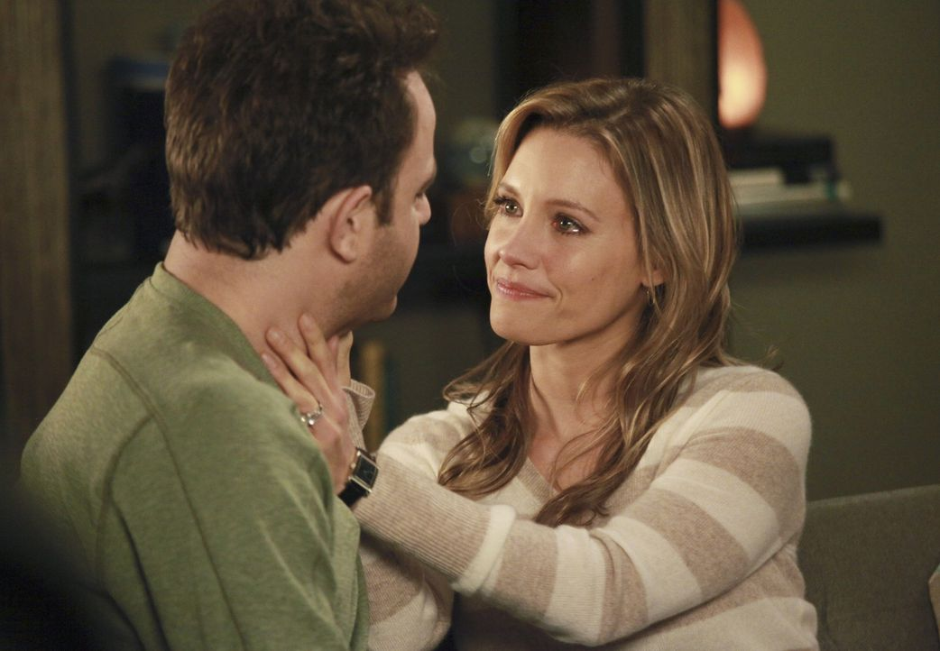 Sind glücklich miteinander: Cooper (Paul Adelstein, l.) und Charlotte (KaDee Strickland, r.) ... - Bildquelle: ABC Studios