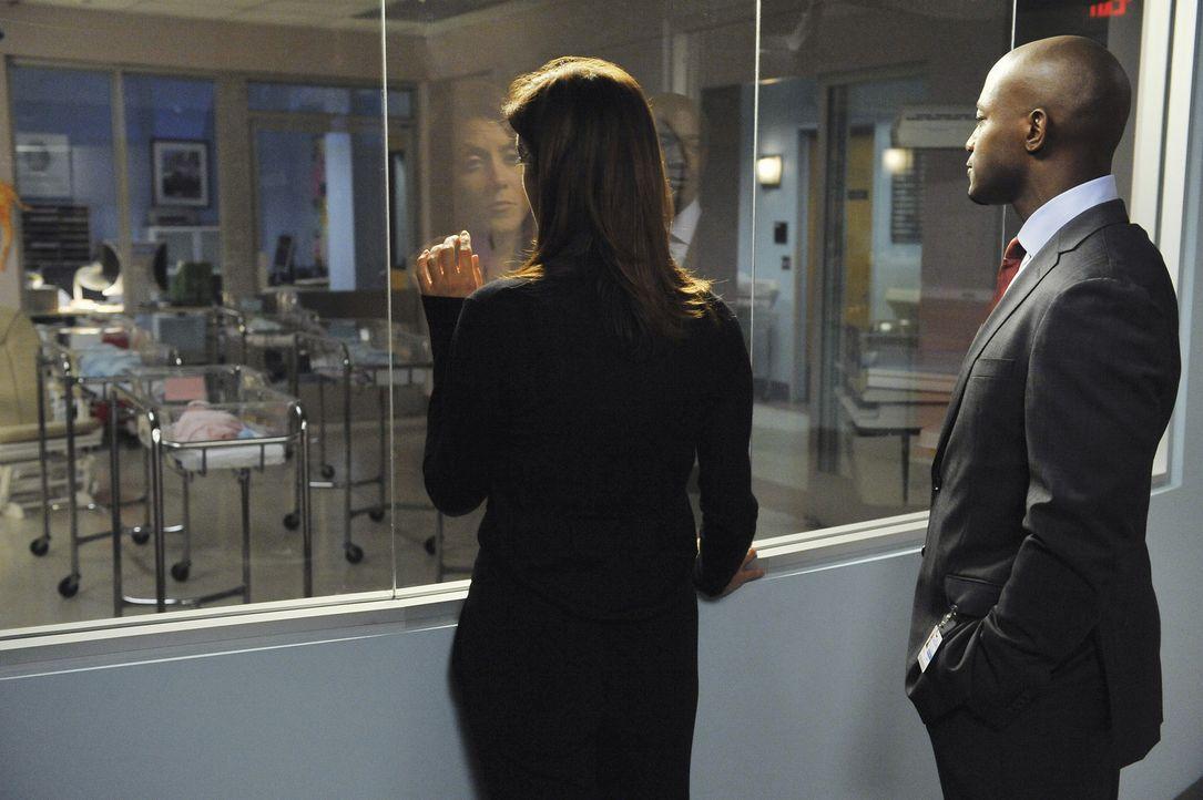 In der Klinik behandelt man eine schwangere Drogenabhängige, welche Addison (Kate Walsh, l.) über ihren Wunsch nach einem Baby mit Sam (Taye Diggs... - Bildquelle: ABC Studios