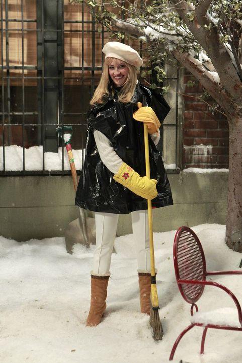 Carolinen (Beth Behrs)  freut sich eigentlich immer auf den ersten Schnee; als Mädchen ohne Geld muss sie diesen Winter allerdings feststellen, das... - Bildquelle: Warner Brothers