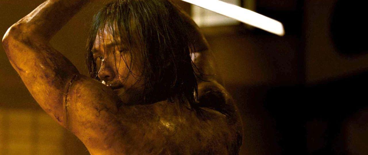 Gerät in die Hände seines größten Feindes: Raizo (Rain) ... - Bildquelle: 2009 Warner Brothers