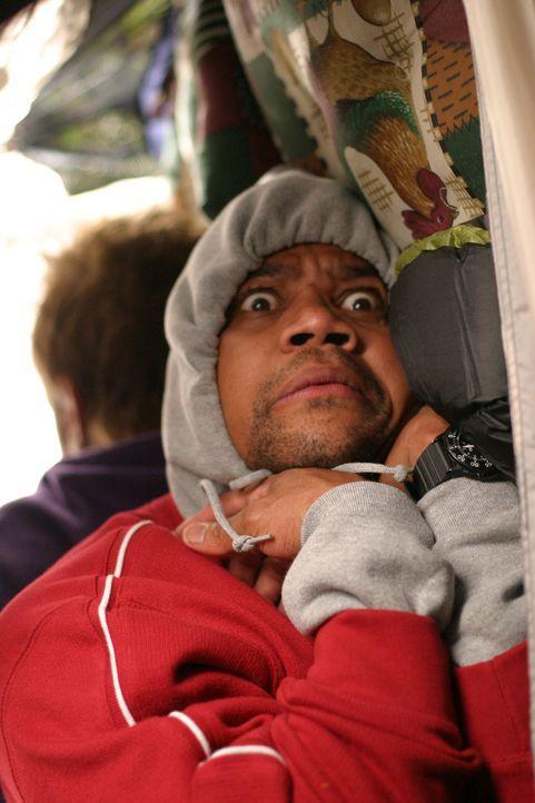 Er hat sich alles viel einfacher vorgestellt: Charlie (Cuba Gooding Jr.) ist von den eigenwilligen Kindern in seinem Feriencamp geschafft und brauch... - Bildquelle: Sony 2007 CPT Holdings, Inc.  All Rights Reserved.