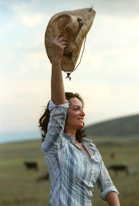 Katharina (Natalia Wörner) ist nach Texas auf die Ranch zurückgekehrt, um ein neues Leben mit Greg zu beginnen. - Bildquelle: Sat.1