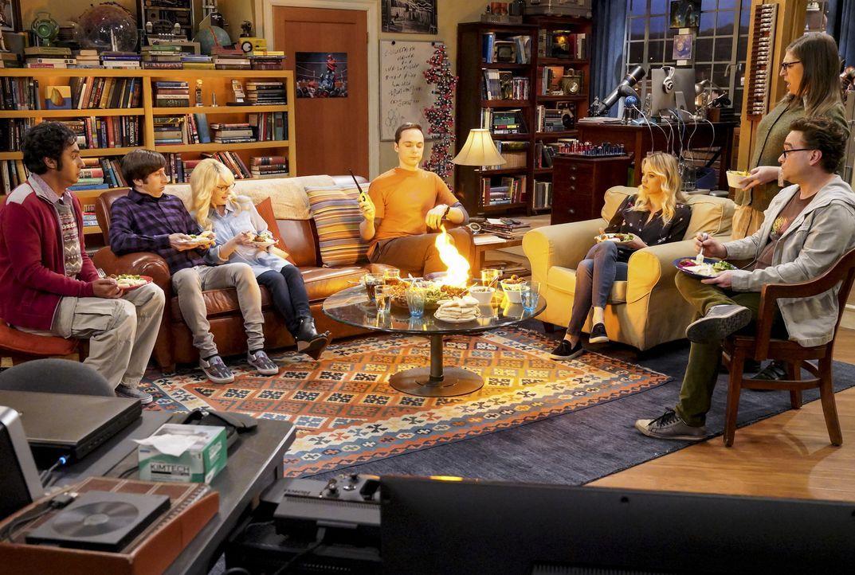 Unterschiedliche Abenteuer warten auf (v.l.n.r.) Raj (Kunal Nayyar), Howard (Simon Helberg), Bernadette (Melissa Rauch), Sheldon (Jim Parsons), Penn... - Bildquelle: Warner Bros. Television
