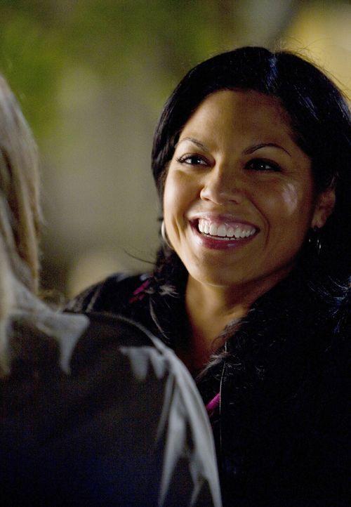 Freut sich, als plötzlich Erica Hahn vor ihr steht: Callie (Sara Ramirez) ... - Bildquelle: Randy Holmes Touchstone Television