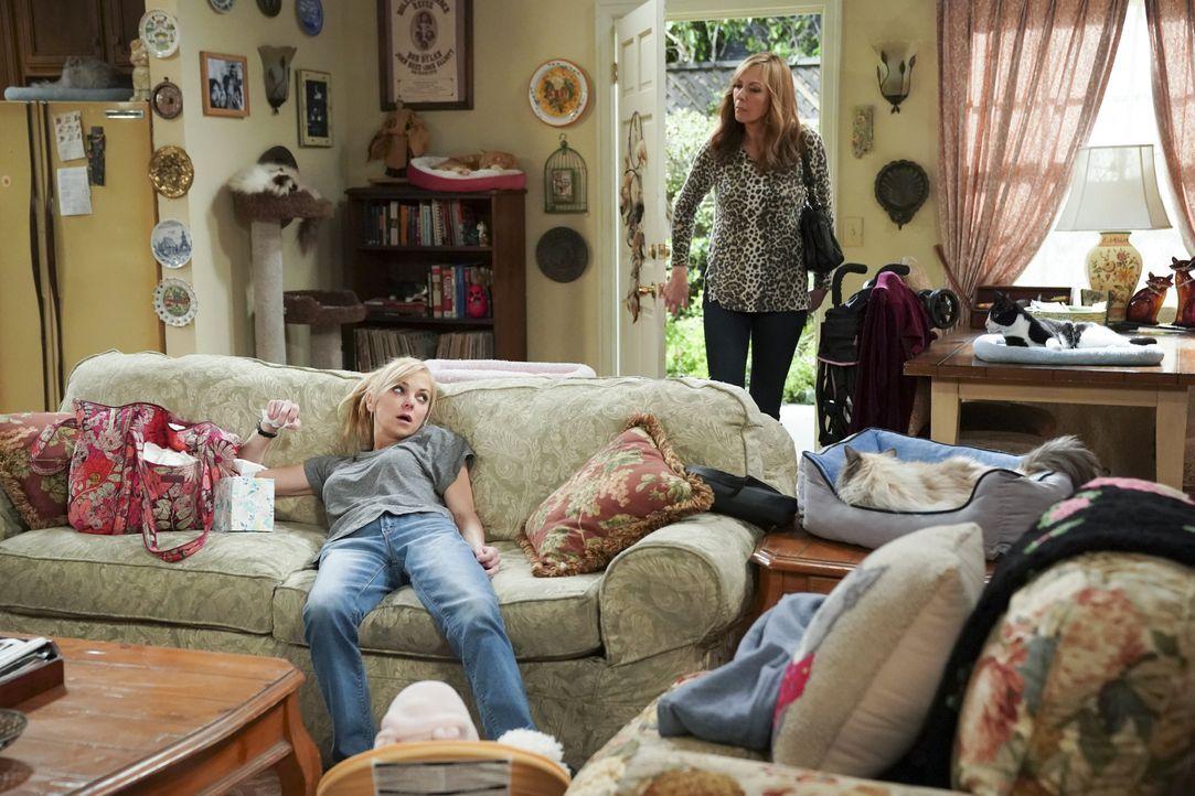 Christy (Anna Faris, l.); Bonnie (Allison Janney, r.) - Bildquelle: Warner Bros. Entertainment, Inc.