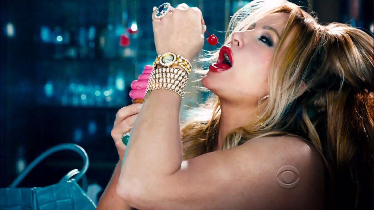 bild-2-broke-girls-super-bowl-sexy-strip-poledance-kat-dennings-beth-behrs-14-cbsjpg 1600 x 900 - Bildquelle: CBS
