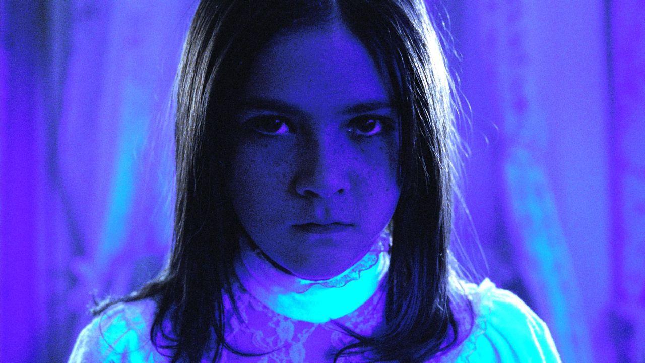 Kaum in einer Familie als Adoptivkind untergekommen, da entwickelt Esther (Isabelle Fuhrman) auch schon einen bitterbösen Plan ... - Bildquelle: Kinowelt