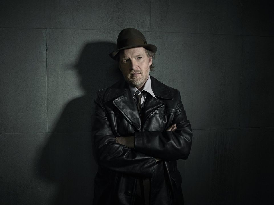(1. Staffel) - Gut oder Böse? Detective Harvey Bullock (Donal Logue) ... - Bildquelle: Warner Bros. Entertainment, Inc.
