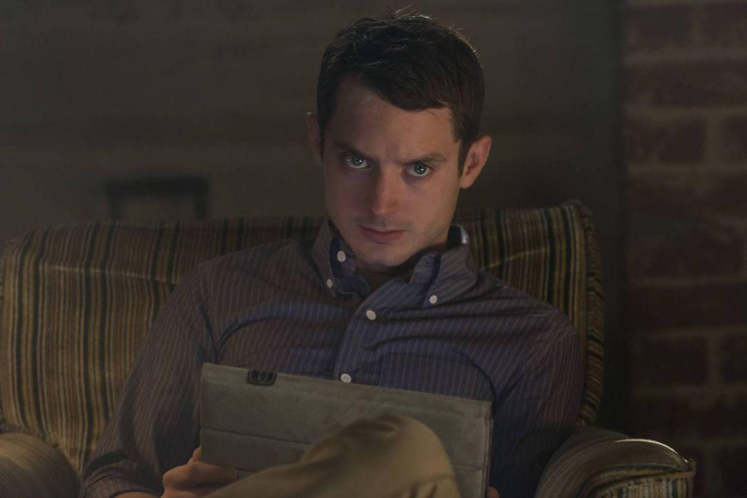 Wird es Ryan (Elijah Wood) gelingen, ein ganz besonderes Geschenk zu finden? - Bildquelle: 2013 Bluebush Productions, LLC. All rights reserved.