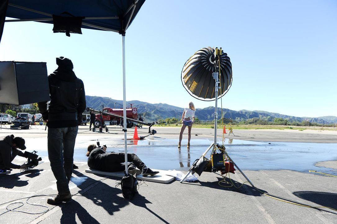 GNTM-Stf10-Epi08-FotoChallenge-22-ProSieben-MicahSmith - Bildquelle: ProSieben/ Micah Smith