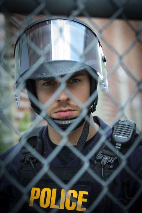 Soll für Ruhe und Ordnung im Bezirk sorgen: Jake (Chris Wood) ... - Bildquelle: Warner Brothers