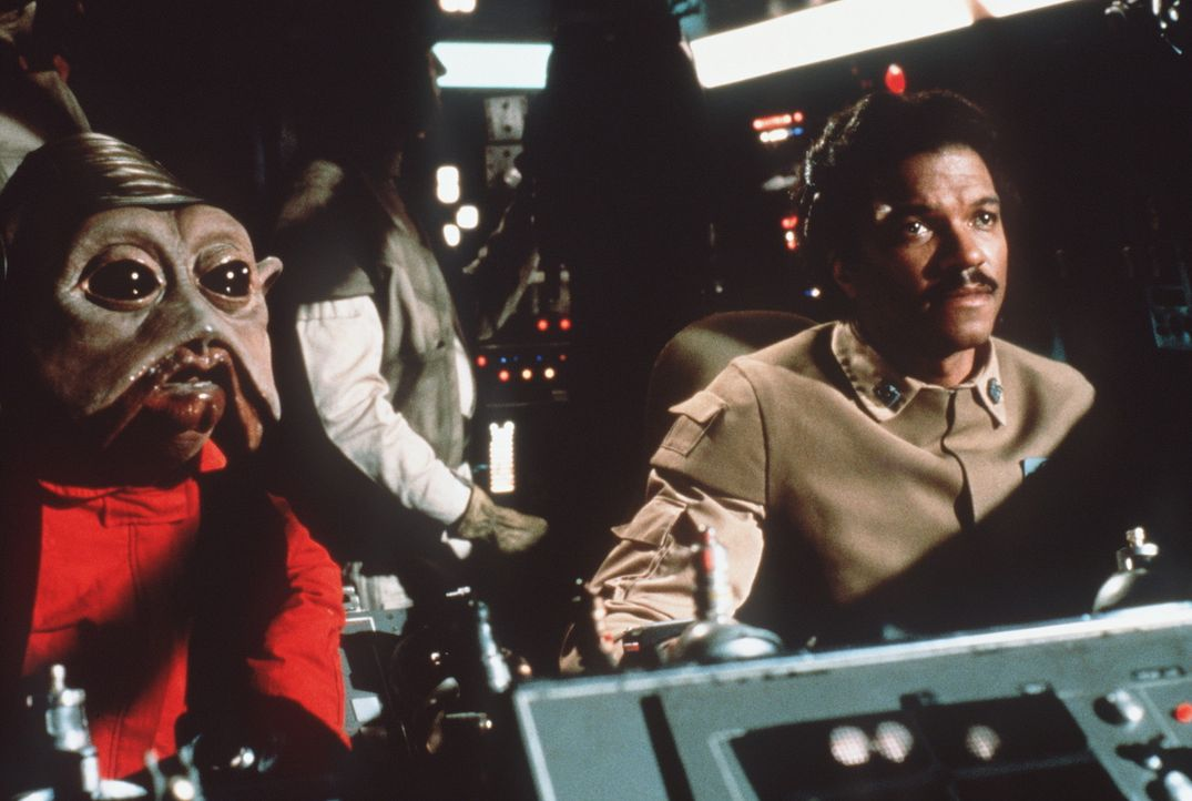 "Die Rebellen Lando (Billy Dee Williams, r.) und sein Co-Pilot Nien Nunb (l.) sind mit dem ""Rasenden Falken"" unterwegs zum Todesstern ... - Bildquelle: Lucasfilm LTD. & TM. All Rights Reserved."