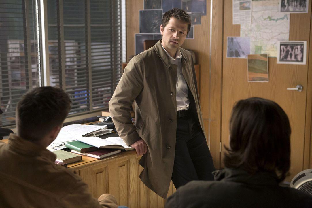 Sam und Dean sind erstaunt, was für eine Operationsbasis sich Castiel (Misha Collins) zusammen mit seinen Anhängern aufgebaut hat ... - Bildquelle: 2013 Warner Brothers