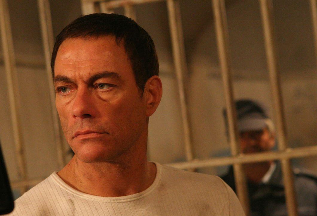 Der Cop Jack Robideaux (Jean Claude Van Damme) soll für die Grenzkontrolle die Grenzgänger ein bisschen genauer unter die Lupe nehmen. Schon bald ge... - Bildquelle: 2008 Worldwide SPE Acquisitions Inc. All Rights Reserved.