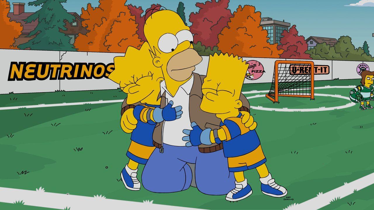 Seinen Kindern Bart (r.) und Lisa (l.) zur Liebe tut Homer fast alles (M.), doch als er mit Milhouses Vater Kirk ihr Lacrosseteam trainieren soll, g... - Bildquelle: 2016-2017 Fox and its related entities. All rights reserved.