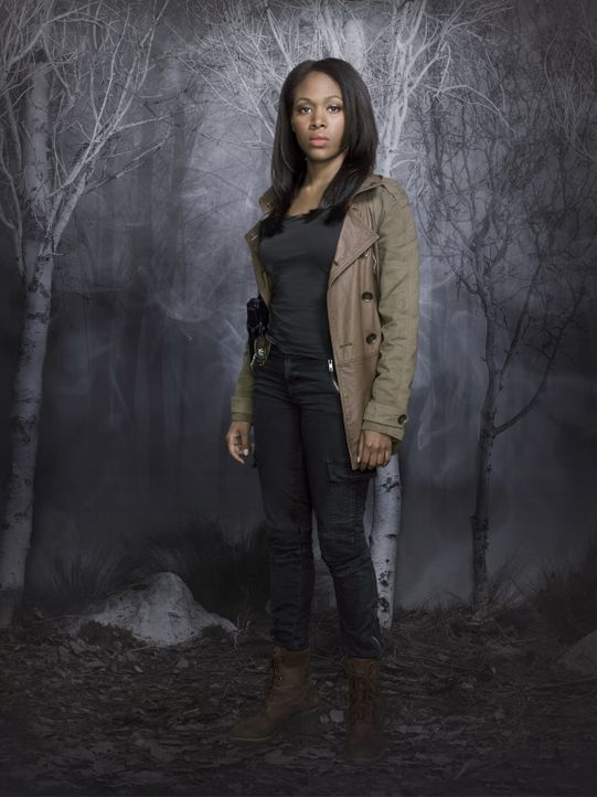 (1. Staffel) - Abbie Mills (Nicole Beharie) ist Lieutanant bei der Polizei von Sleepy Hollow und begegnet Ichabod Crane anfangs misstrauisch, doch s... - Bildquelle: 2013 Twentieth Century Fox Film Corporation. All rights reserved.