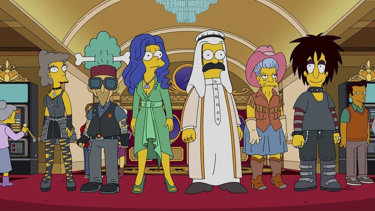 Um nicht aufzufliegen, bleibt Marges (3.v.l.) Kirchengruppe nur eine Möglichkeit: Verkleidungen ... - Bildquelle: 2014 Twentieth Century Fox Film Corporation. All rights reserved.