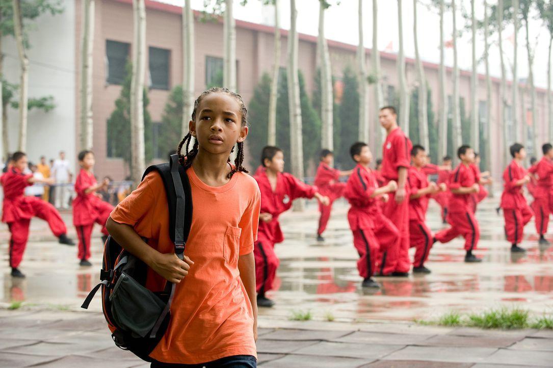 Der zwölfjährige Dre (Jaden Smith) muss zusammen mit seiner Mutter nach China ziehen, wo er keine Freunde findet. Als er sich in seine Klassenkame... - Bildquelle: 2010 CPT Holdings, Inc. All Rights Reserved.