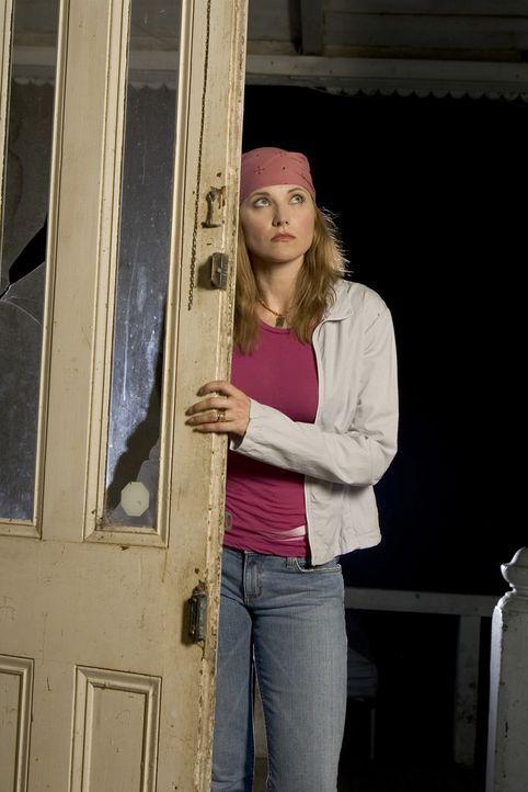 Versucht einen mysteriösen Todesfall zu lösen: Maddy Rierdon (Lucy Lawless) ... - Bildquelle: 2005 Sony Pictures Television Inc. All Rights Reserved.