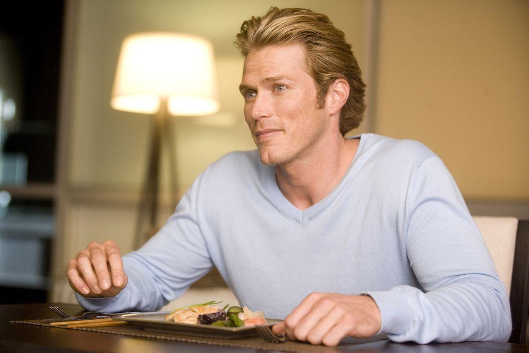 Die große Hollywoodkarriere lässt Smith (Jason Lewis) nur noch wenig Zeit für romantische Stunden mit Samantha, die sich ohne ihre Freundinnen un... - Bildquelle: Warner Brothers