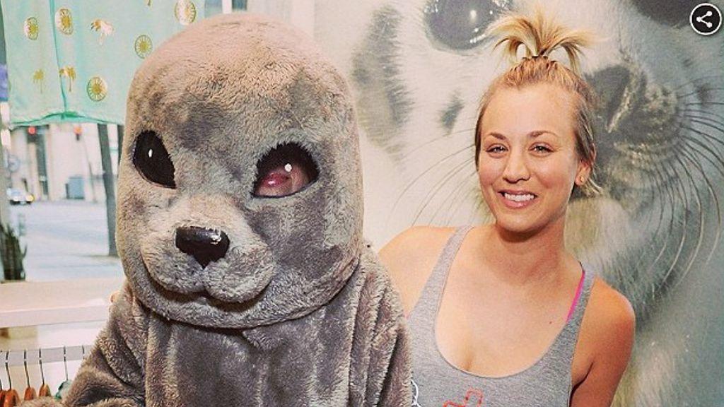 """""""The Big Bang Theory""""-Star Kaley Cuoco-Sweeting: Auf den Seehund gekommen - Bildquelle: Instagram/normancook"""