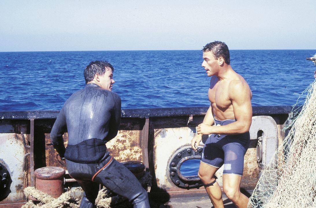 Steve Henderson (Gene Davis, l.); Andrei (Jean-Claude Van Damme, r.) - Bildquelle: RRS Entertainment