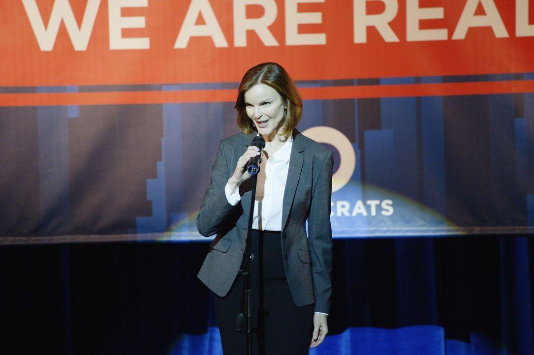 Ist Claire Haas' (Marcia Cross) Leben in Gefahr? - Bildquelle: Philippe Bosse 2015 ABC Studios