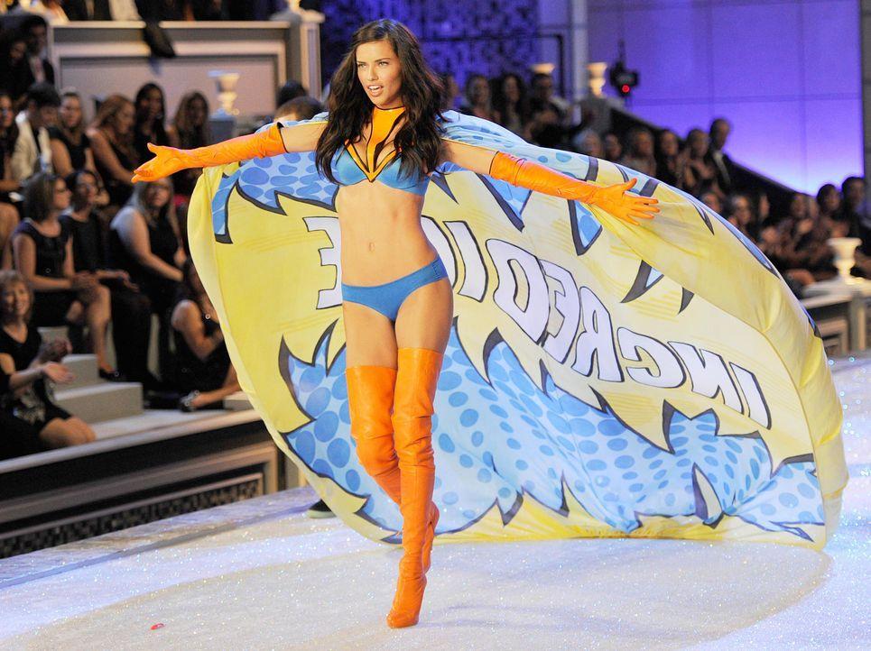 victoria-secret-fashion-show-2011-22-adriana-lima-afpjpg 1900 x 1422 - Bildquelle: AFP