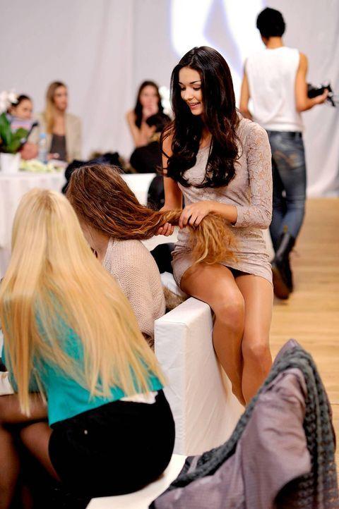 germanys-next-topmodel-stf07-epi01-top-50-backstage-03-oliver-s-prosiebenjpg 1131 x 1700 - Bildquelle: Oliver S. - ProSieben