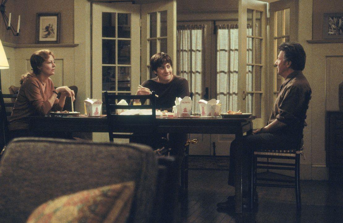 Als in einer amerikanischen Provinzstadt ein Amokläufer die junge Diana erschießt, ist dies für die Eltern (Dustin Hoffman, r. und Susan Sarandon... - Bildquelle: Touchstone Pictures