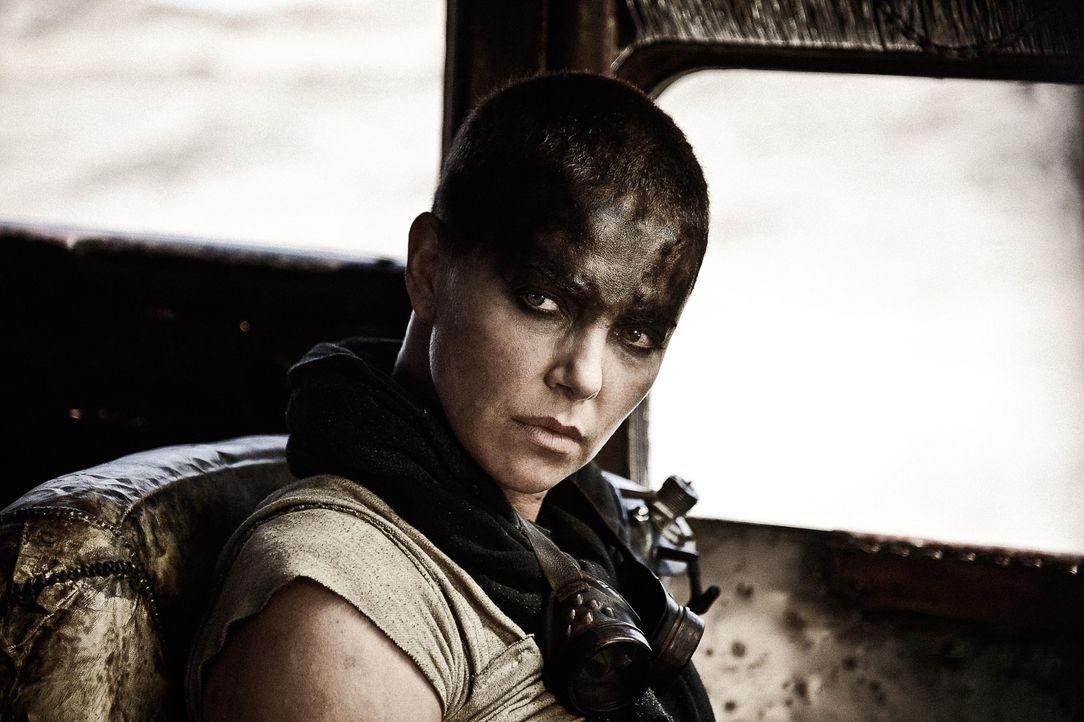 "Imperator Furiosa (Charlize Theron) in ""Mad Max: Fury Road"" (2015) - Bildquelle: picture alliance / dpa | Cannes Film Festival / Ho"