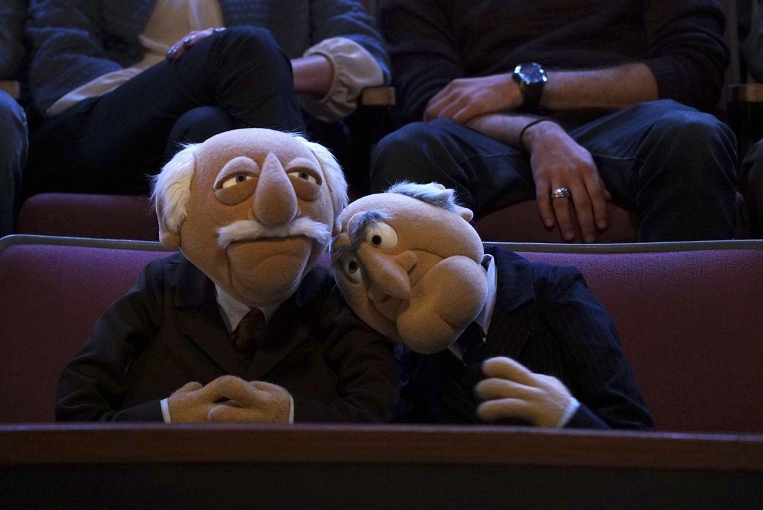 Erlebem einen ganz besonderen Moment: Statler (l.) und Waldorf (r.) ... - Bildquelle: Eric McCandless ABC Studios