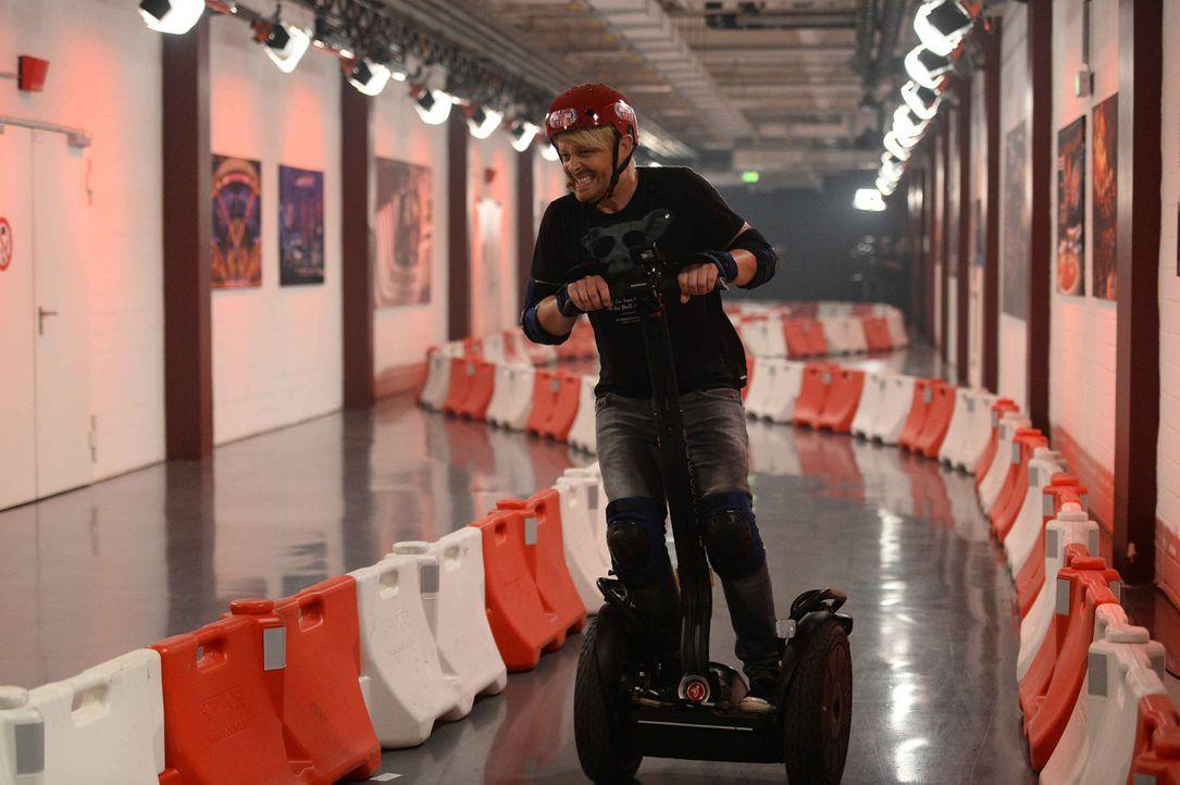 Jetzt bloß nicht bremsen: Ross Antony gibt ordentlich Gas,  immerhin geht es um 50.000 Euro ... - Bildquelle: Willi Weber ProSieben
