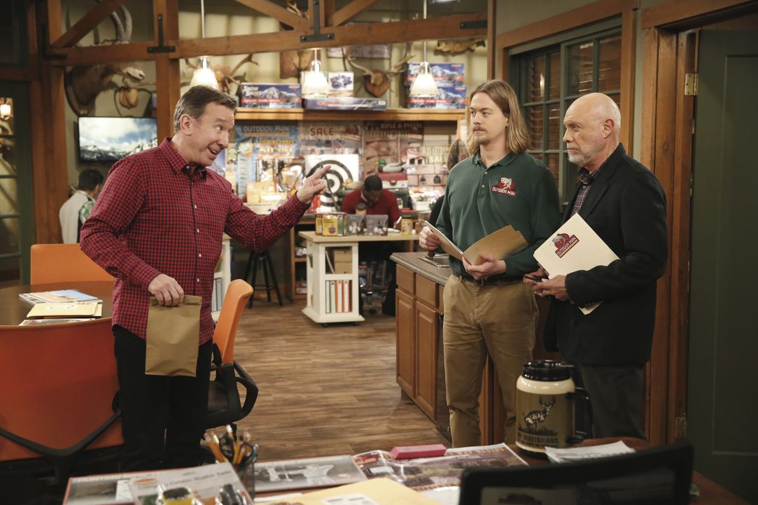 (v.l.n.r.) Mike (Tim Allen); Kyle (Christoph Sanders); Ed (Hector Elizondo) - Bildquelle: 2016-2017 American Broadcasting Companies. All rights reserved.