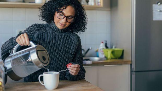 Eine Tasse Tee für entspannte Momente – Hast du schon mal versucht Tee in dei...