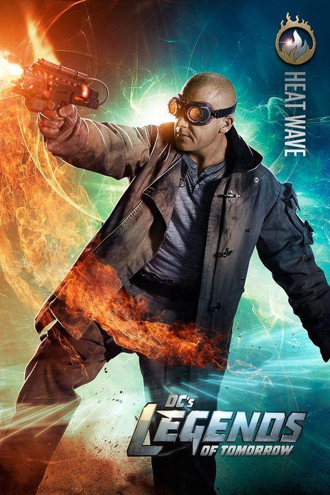 Eigentlich wollte Mick Rory alias Heat Wave seine spezielle Waffe für kriminelle Machenschaften nutzen, doch als der Time Master um Hilfe bittet... - Bildquelle: 2015 Warner Bros.