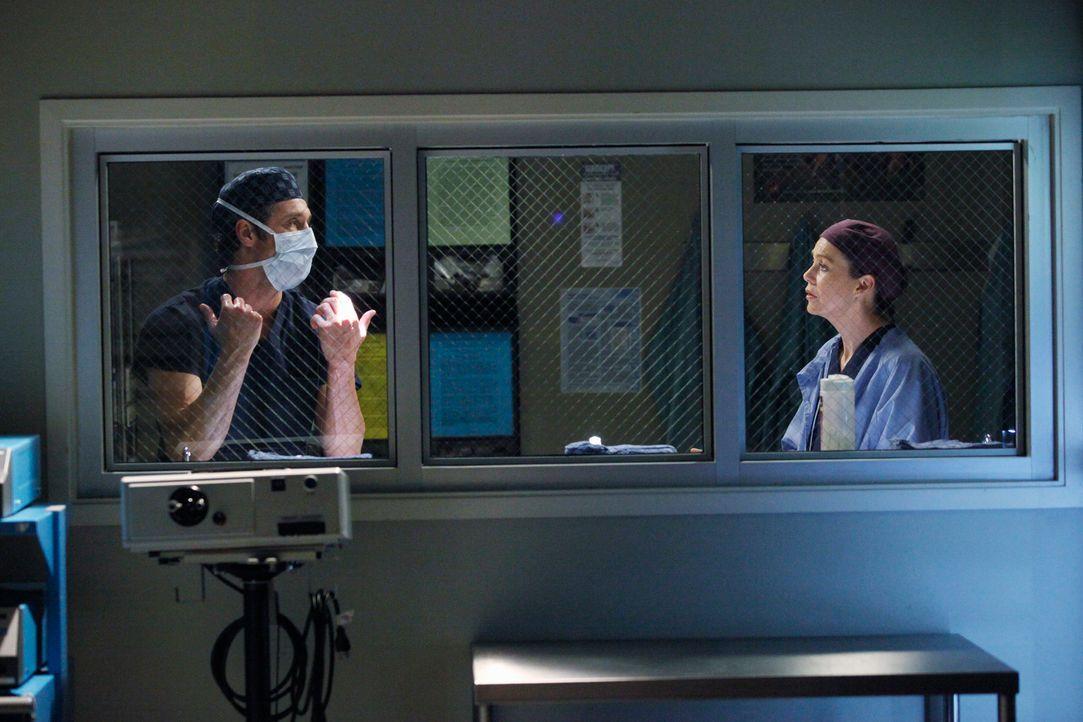 Geraten wegen der Kinder aneinander: Derek (Patrick Dempsey, l.) und Meredith (Ellen Pompeo, r.) ... - Bildquelle: ABC Studios