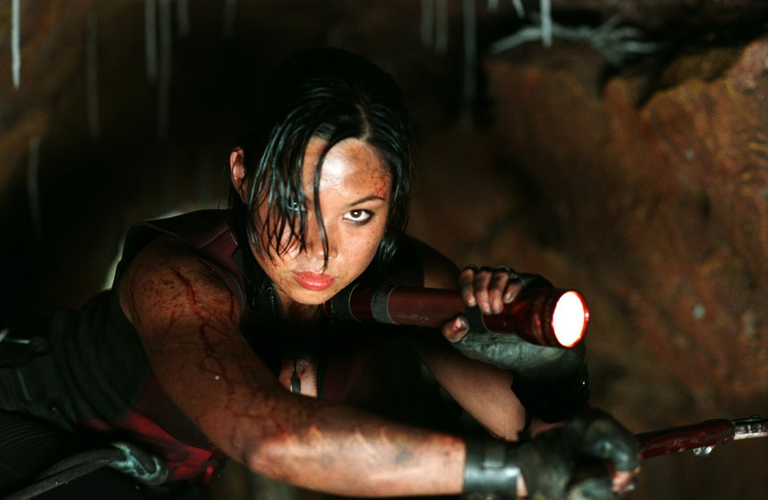 Fürchtet sich nicht vor den blutgierigen Kannibalen: Juno (Natalie Mendoza) ... - Bildquelle: Square One Entertainment