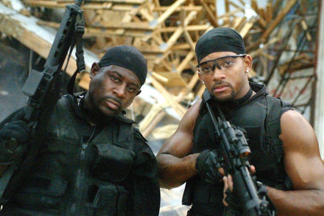 Lassen sich von nichts und niemandem aufhalten: Marcus Burnett (Martin Lawrence, l.) und Mike (Will Smith, r.) ... - Bildquelle: 2004 Sony Pictures Television International. All Rights reserved.