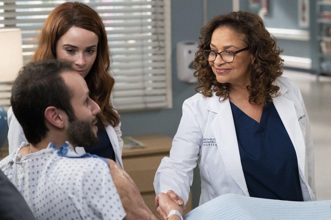 (v.l.n.r.) Caleb Hicks (Sommer Carbuccia); Dr. Megan Hunt (Abigail Spencer); Dr. Catherine Avery (Debbie Allen) - Bildquelle: Mitch Haaseth ABC Studios